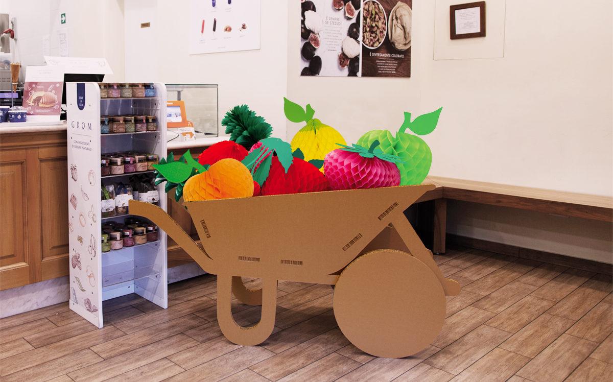 Carriola con frutta